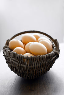 fresh eggs in a basket  von Kris Shopov