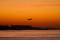 Airplane sunset by photoart-hartmann