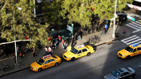 Tilt-shift-taxis
