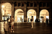 Piazza Maggiore by night by digitalbee