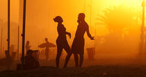 Beach Talk by Reinaldo Smoleanschi