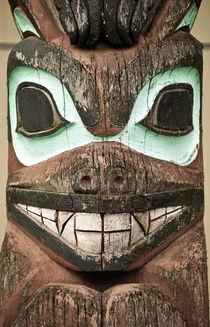 Totem pole detail, Alaska, USA von John Greim