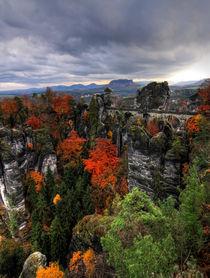 Gebirge im Herbst by Wolfgang Dufner