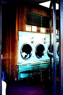 New York launderette by Danai Molocha
