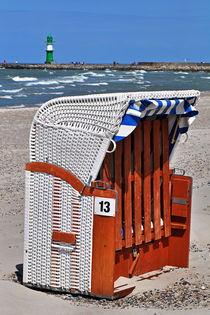 Strandkorb Nr. 13 - Warnemünde by captainsilva