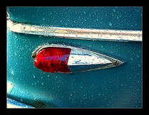 tail light post storm von George  Taylor