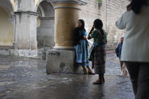 Girl-leaning-portales-antigua-guatemala