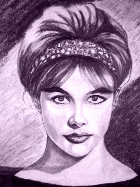 Frau-sechziger-lila