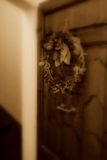 Wood Door /Wreath, Florence Italy '09 by Brian  Leng