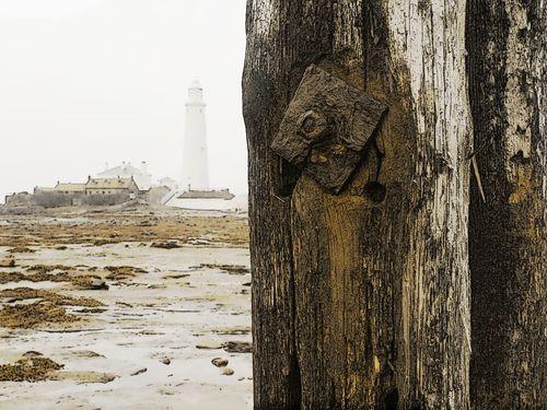 St-marys-lighthouse-post-and-rocks-1d