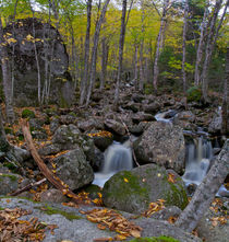 Autumnal waterfall by linconnu