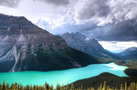Peyto-lake-clouds