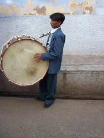 Wedding drummer in India von Andras Nagymihaly