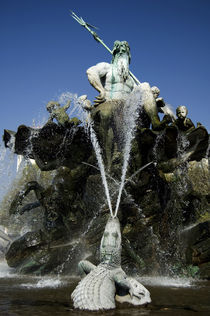 Neptune Fountain by RicardMN Photography