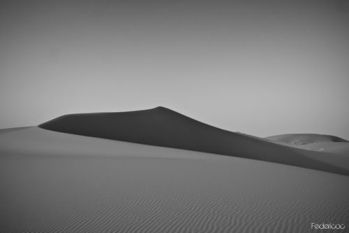 Erg-chebbi-dune-in-black-2-marocco-2011