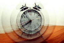 Moving Clock by Carlos Filipe Flores
