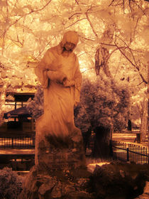 infrared statue by Mihail Leonard Bodor