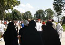 Wives walking to the sultan Mosque by Juan Carlos  Medina Gedler