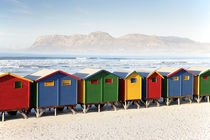Colourful Beach Huts at Muizenberg, False Bay, South Africa von Neil Overy