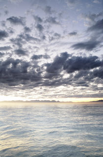 Dawn Light Over False Bay, South Africa von Neil Overy