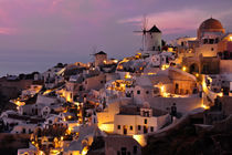 Santorini in the Magic Hour von Paul Dakeyne
