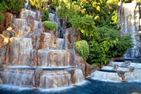 Las-vegas-wynn-waterfall