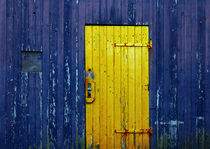 Yellow and blue door von RicardMN Photography