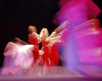 dance pink by Sylwia Olszewska