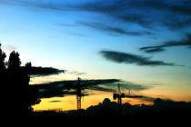 Kräne über der Stadt by leroyash