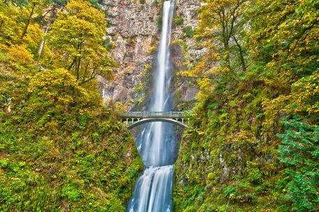 110211-multnomah-falls-00-hdr-v2-at-18x12