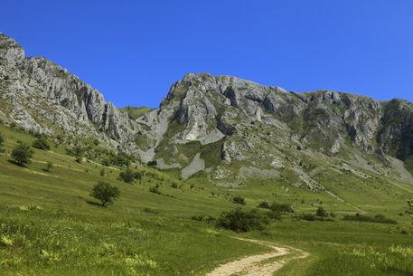 005371trascau-mountains-5d3-jpg
