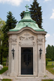Crypt in Zagreb by safaribears