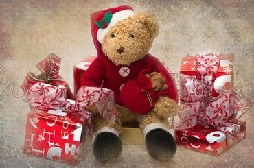 Teddy-at-christmas0005c
