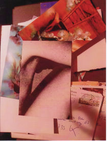 männlicher Akt vor Briefen by Kathrin Kiss-Elder