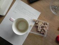 Kaffeetasse und Zahlenwürfel von Kathrin Kiss-Elder
