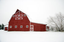 Snowy Red Barn by Leslie Philipp