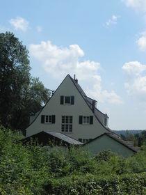Giebelhaus am Waldrand von Kathrin Kiss-Elder