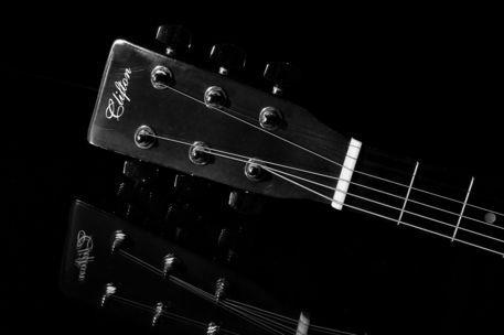 20110326-gitarre20110326-2295