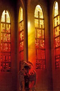 461af-four-red-windows-061114-004-rv-3-brshv-4