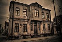 old fashioned building von Iva Kanceska