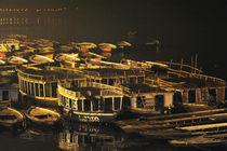 Varanasie-hafen-bei-nacht