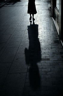 'Woman Shadow' von luisgarciacraus