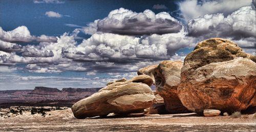 Canyonlands-boulders