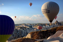 Hot air balloons over Cappadocia by RicardMN Photography