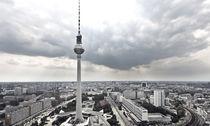 Himmel über Fernsehturm von Eduard Warkentin