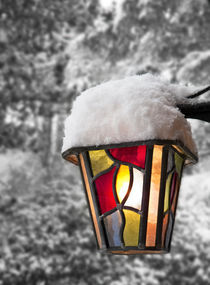 Snowy lantern lamp by Graham Prentice