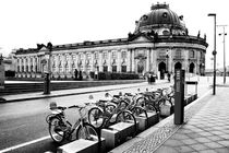 Berlin Museum island and bikes - b&w von marga-sol