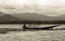 Fisherman on Inle Lake by RicardMN Photography