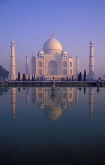 Taj Mahal Reflecting In Pool by Wolfgang Kaehler