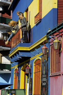 Colorful Houses with Figures von Wolfgang Kaehler